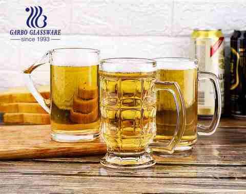 Os vidros de cerveja 14oz feitos sob encomenda cancelam a caneca de cerveja grande com o punho para o partido da barra do pub