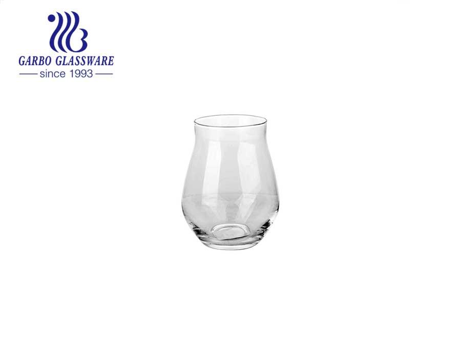 كأس بهلوان زجاجي للعصير