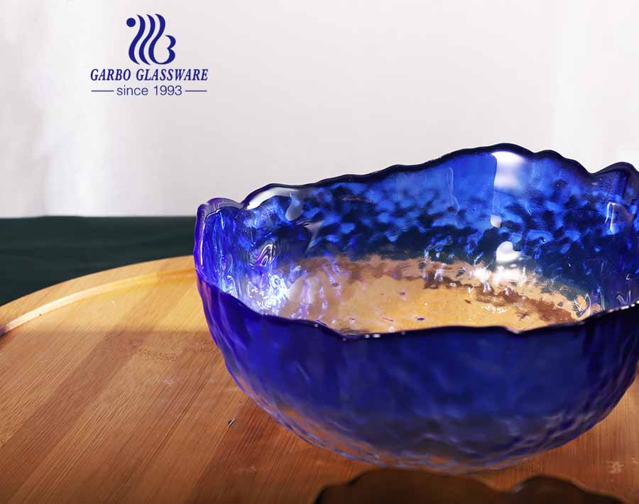 Popular European Style 7-inch Solid Color Glass Fruit Bowl with Special New Design and Gold Rim