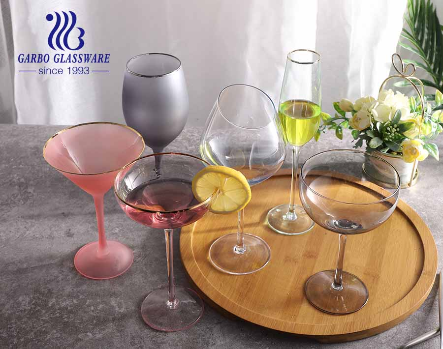 9.5OZ Amazon top seller Eco-friendly glass stemware decorative with gold rim wine glass custom design newest style glass goblet