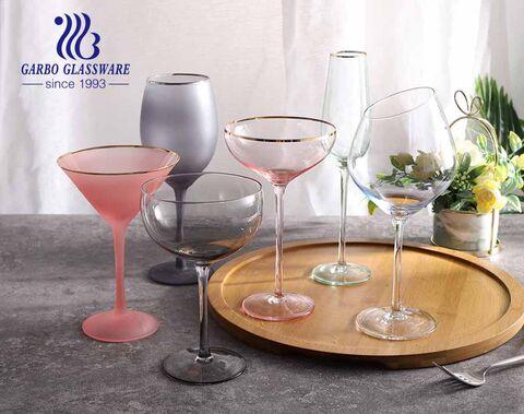 9.5OZ Amazon Top-Seller Umweltfreundliches Glas-Stielglas dekorativ mit goldenem Rand Weinglas Custom Design neuesten Stil Glasbecher