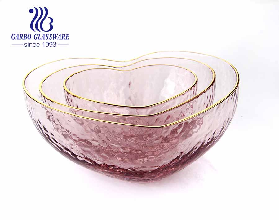 Hot sale hammer pattern pink heart shape glass golden rim salad fruit bowl with cheap price