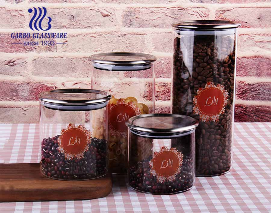 Eco-friendly wholesale household use borosilicate cookie candy honey food glass storage jar with airtight lid storage tank