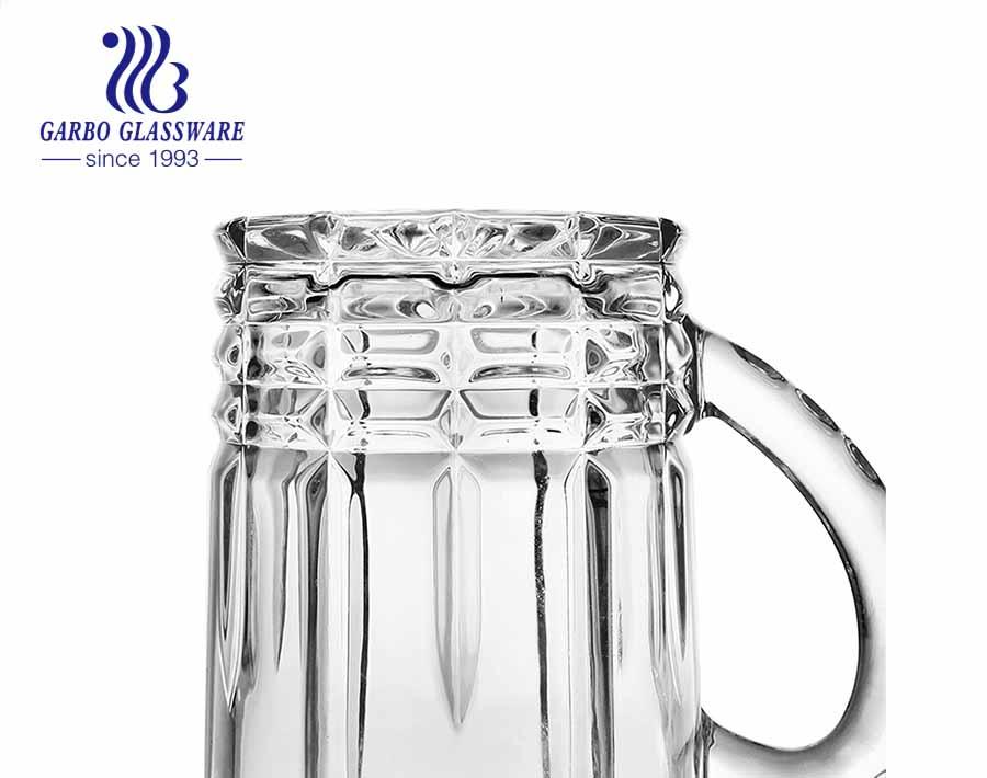 Vaso de stein común de la taza de cerveza grande en relieve 28oz con la manija para el pub de la barra del partido