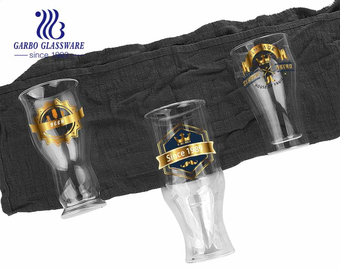 Vasos de vidrio estilo de personalidad más vendidos Característica de stock taza de vidrio de borosilicato estilo europeo precio de fábrica barato Copa de vidrio de borosilicato de uso doméstico al por mayor reutilizable
