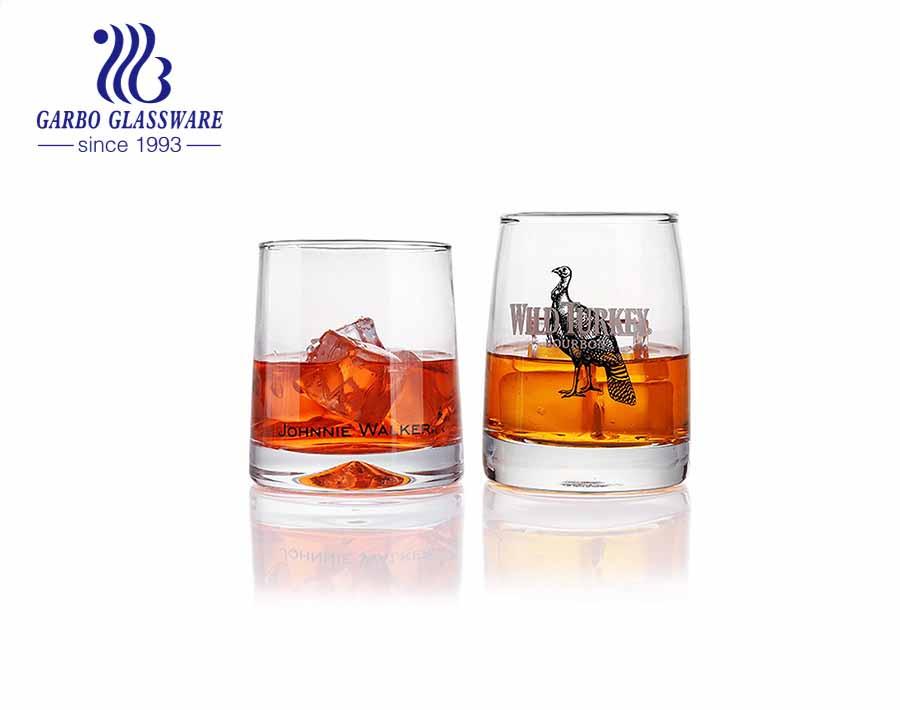 Vaso de vidrio de whisky escocés con logotipo de obra de arte personalizado de lujo