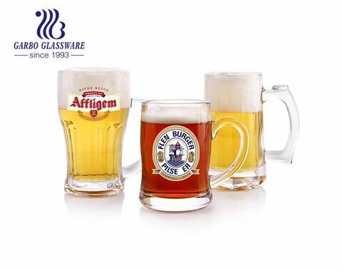 Benutzerdefinierte Biergläser klare Bierkrüge großes Glas mit Steingriff für die Kneipe