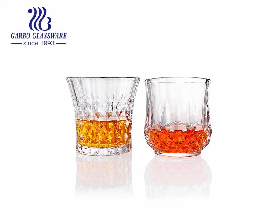 En stock taza de vidrio grabado de alta gama para degustación de whisky con la marca del cliente