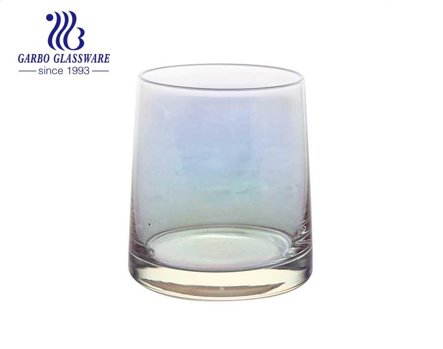 Copo de vidro iridescente de luxo soprado feito à mão com borda dourada