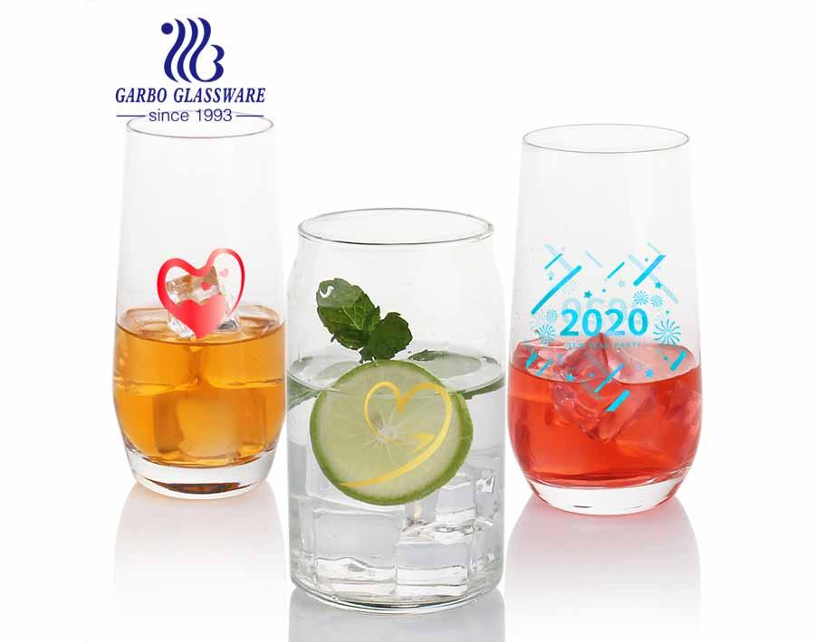 La máquina soplada puede dar forma a los vasos de vidrio de cerveza barware de vidrio para bebidas