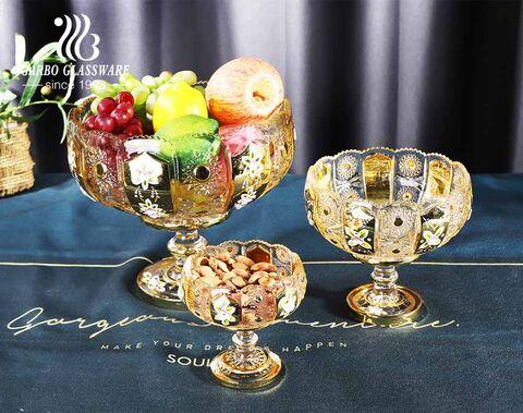 Recipiente de vidrio de fruta blanco alto con diseño chapado en oro con patrón tallado con bordes de girasol