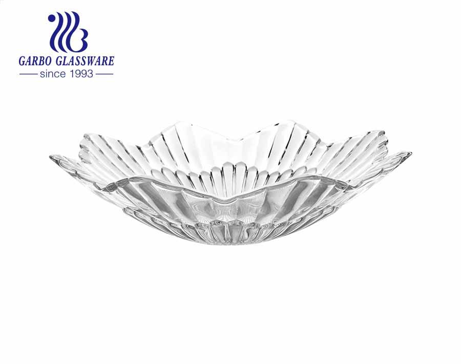 Plato de fruta de vidrio rectangular con un bonito diseño de patrón grabado en flor de ciruelo