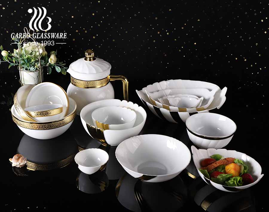 1.8L square opal glass Glass Casserole Dish With Lid and golden electroplated for microwave safe