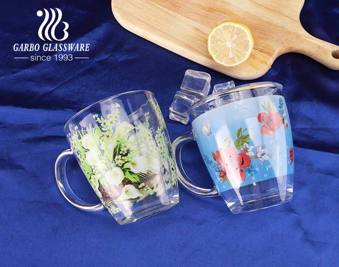 Cốc thủy tinh cá nhân 13oz tùy chỉnh in đầy đủ thiết kế hoa ngày của mẹ cốc trà thủy tinh có tay cầm