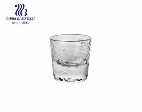 Vasos de medida hechos a mano de 70 ml vasos de vidrio con patrón de martillo para bebidas espirituosas vodka pub