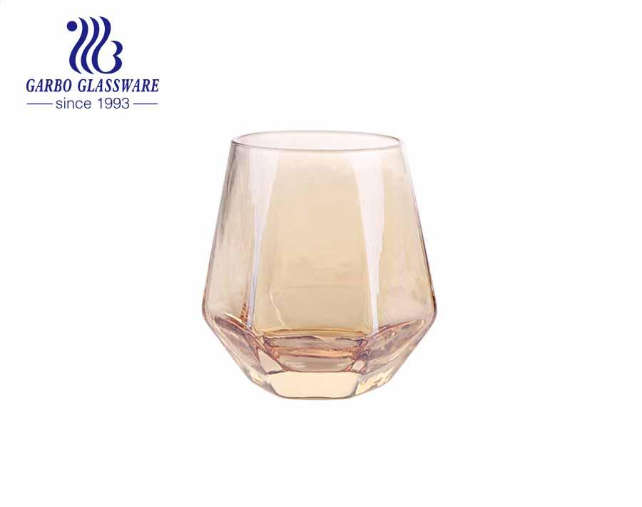 Vaso de vidrio soplado hecho a mano con forma hexagonal con impresión de colores personalizados y borde dorado