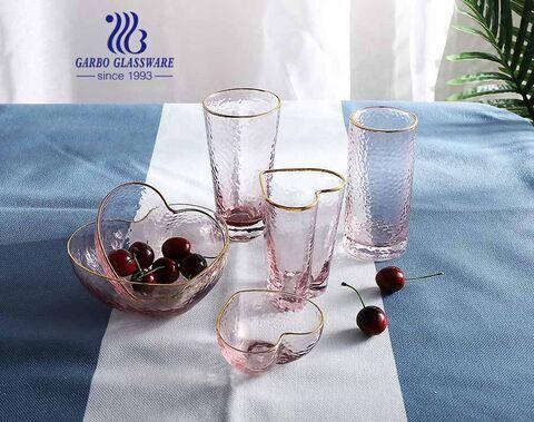 Hecho a mano cereza rosa patrón de martillo en forma de corazón vasos de agua de vidrio cuenco de vidrio con borde dorado juego de cristalería para la cena de la fiesta de bodas