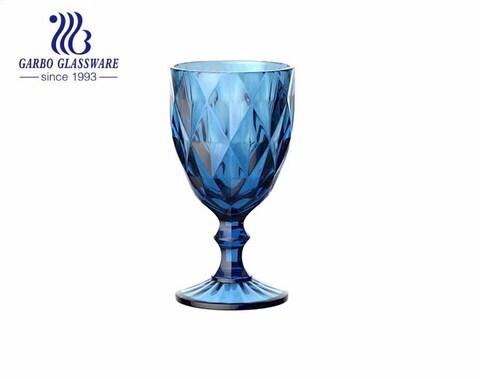 Copa de vidrio de color en aerosol de 300 ml para beber vino con cristalería al por mayor personalizada de alta calidad