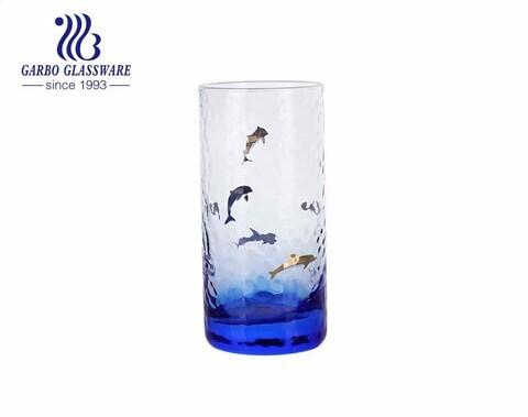 2021 recién llegados vaso de vidrio con forma de ola de martillo de la serie oceánica con colores personalizados y calcomanía de borde dorado de lujo