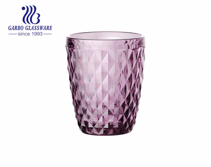 تصميمات Garbo Glassware الحصرية لأكواب زجاجية محفورة بألوان رش