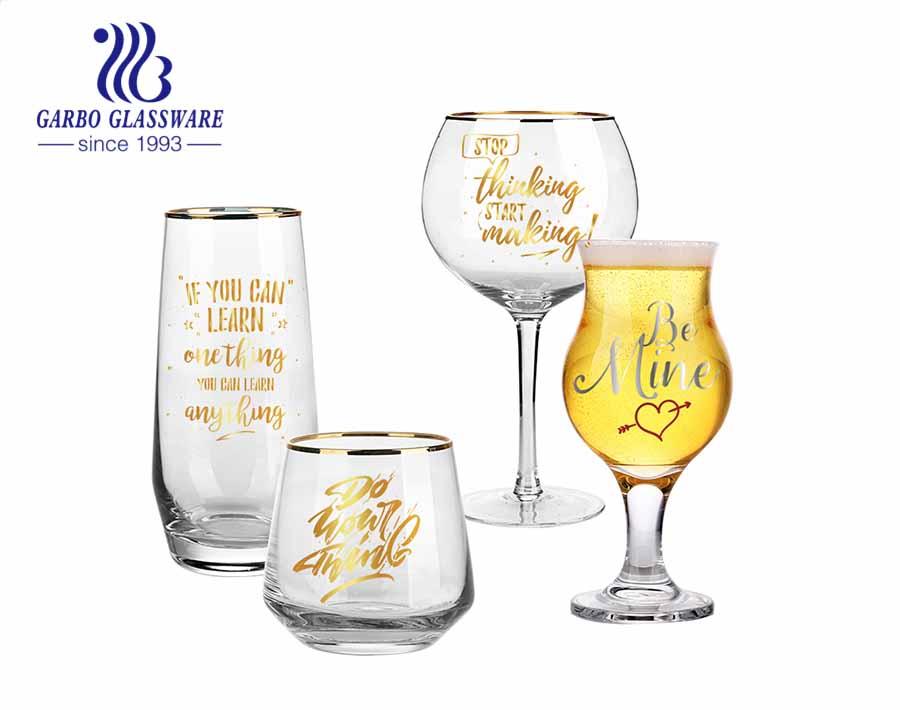 Cabin phòng khách VIP cốc thủy tinh sang trọng hạng nhất và bộ kính rượu gin với decal tùy chỉnh và viền vàng