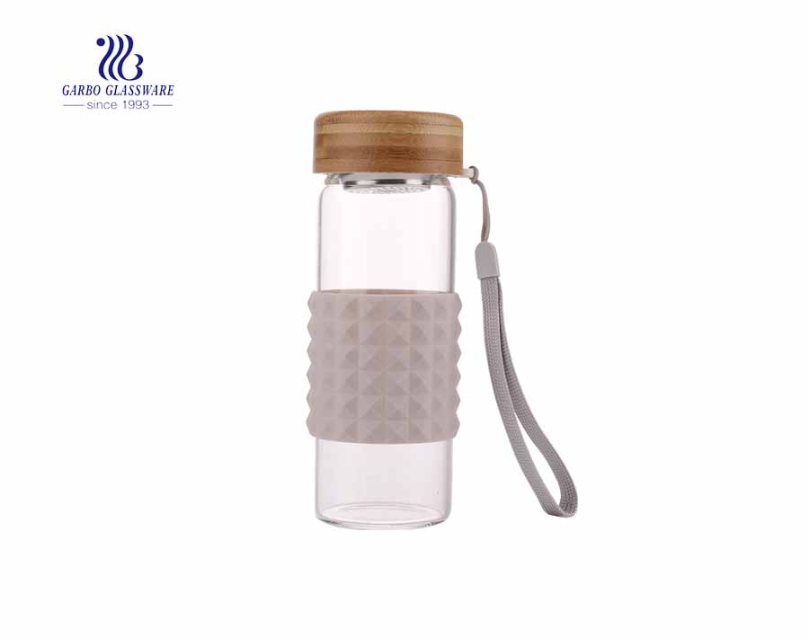 Outdoor 320 ml sporty  bottle borosilicate glass lead free silicone sleeve water bottle with bamboo lid