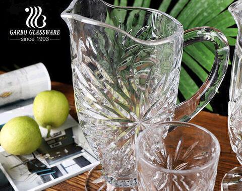 سلسلة الألعاب النارية الكلاسيكية عالية اللون الأبيض 7 قطع مجموعة إبريق شرب الماء الزجاجي مجموعة إبريق زجاجي عتيق بنمط محفور من المصنع