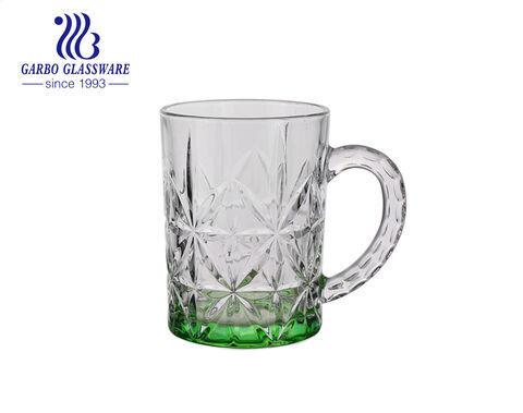 Màu phun tùy chỉnh cốc bia thủy tinh với thiết kế hoa văn Ly bia bia 400ml có tay cầm