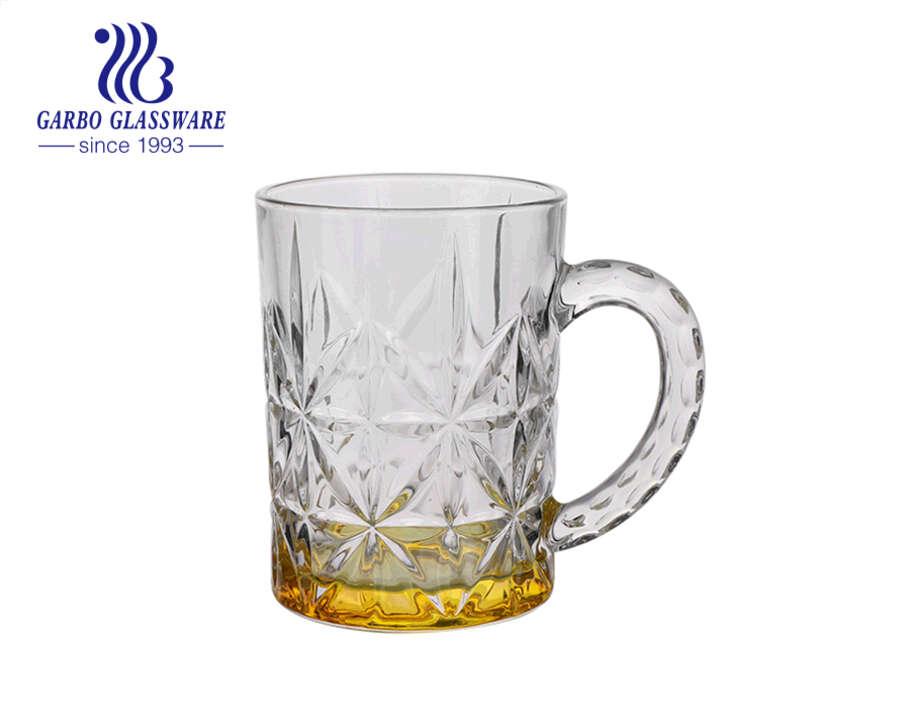 أكواب بيرة زجاجية بألوان رش مخصصة مع تصميمات نمطية 400 مل أكواب بيرة شتاين بيرة بمقابض