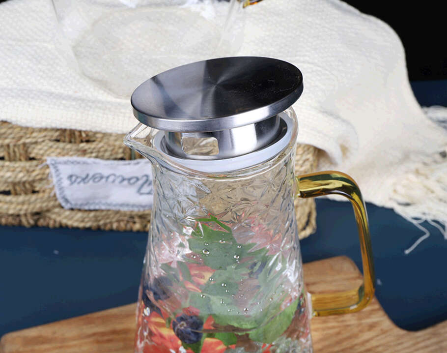 2100ml Pyrex clear glass water pitcher with wooden lid ice tea pitcher with spout