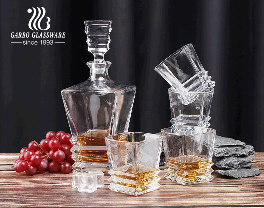 High end whiskey decanter set with 4 whiskey glasses crystal decanter sets with gift box pack