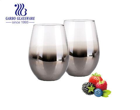Großhandel handgemachter großformatiger 20oz Glasbecher mit ascheschwarzer Farbe