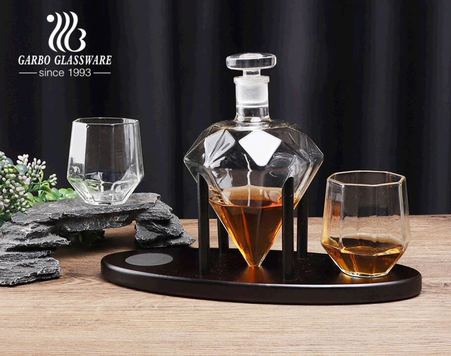 Clear diamond whiskey decanter set with wooden base borosilicate whiskey glass and decanter set