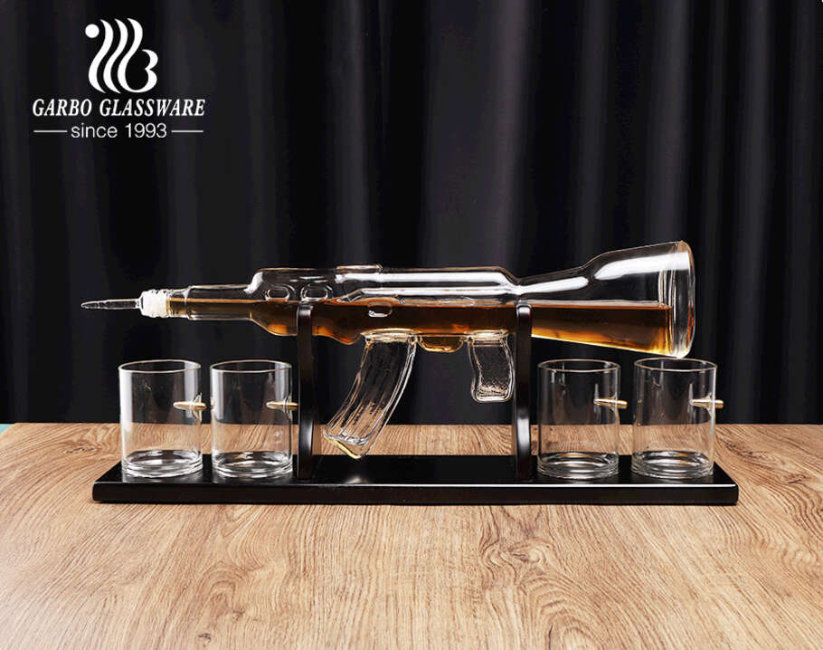 Borosilicate whiskey decanter set with wooden base AK-47 gun shape decanters with four bullet glasses
