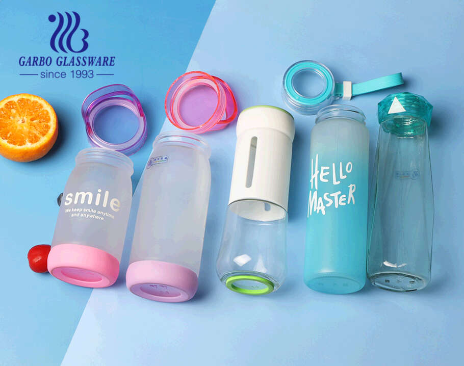 Glass Portable water bottle 14oz  colorful storage bottle with Silicone handle