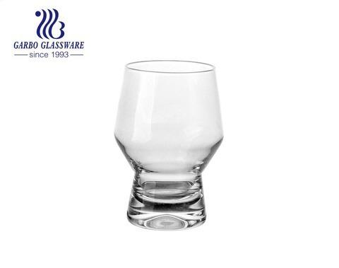 Máquina premium y vaso de vidrio Spey soplado hecho a mano con base espesa para servir whisky