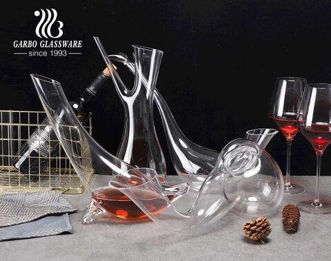 Decantadores de vino de cristal sin plomo hechos a mano Garbo decantador de forma única personalizada para vino