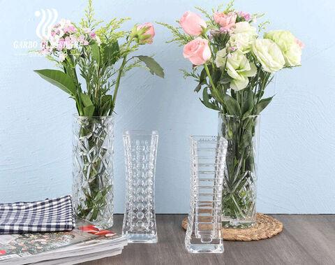 Square -Shaped  Tabletop GFlower Holder Glass Vase Flower Holder  with embossed dot pattern