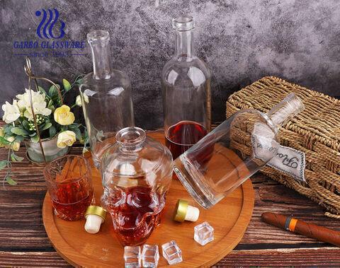 Hình dạng khác nhau chai thủy tinh rượu whisky cổ điển và đơn giản hình đầu lâu chai lọ thủy tinh